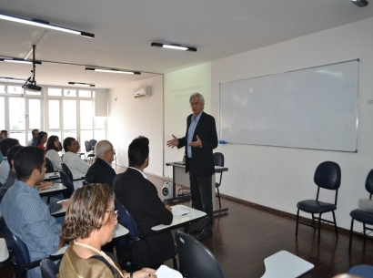 Palestra sobre Economia reúne empresários na ACIA
