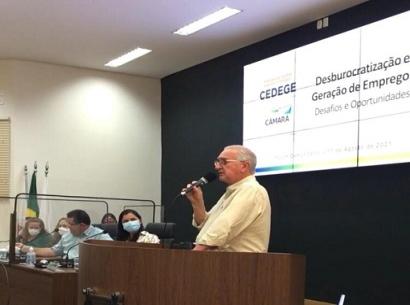 Acia participa de Fórum Comunitário sobre a desburocratização e geração de empregos em Araxá